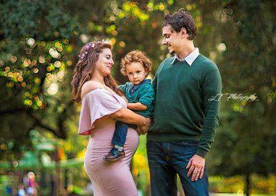 professional maternity photographer